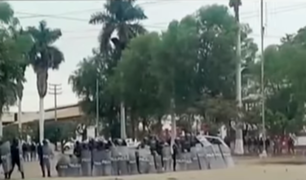 Chiclayo: policía se enfrenta a trabajadores de azucarera en Tumán