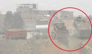 Ate: camiones arrojan desmonte y basura al río Rímac