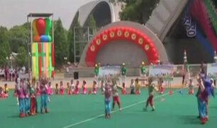Corea del Norte: niños festejan su día jugando a la guerra