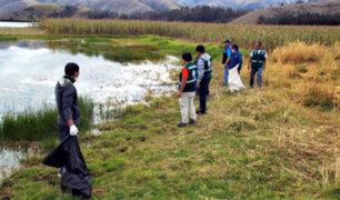Recogen varias toneladas de basura durante jornada de limpieza en laguna de Paca