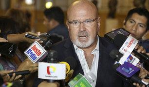 Carlos Bruce: El contralor debe renunciar y no el ministro de Economía