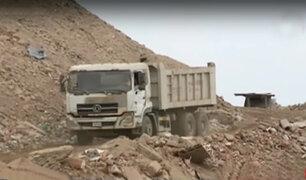 VES: camiones arrojan basura y desmonte atentando contra salud de vecinos