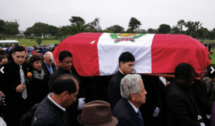 Luis Abanto Morales: recibió el último adiós en cementerio de Lurín