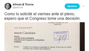 Ministro de Economía solicita se vote cuestión de confianza en el Congreso