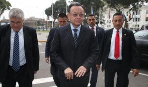 Comisión de la UNSA afirma que contralor Alarcón obtuvo título de manera fraudulenta