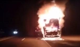 Huarmey: 45 pasajeros se salvan tras incendiarse bus en la Panamericana Norte