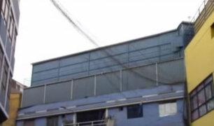 Mesa Redonda: operativo pone al descubierto una decena de contenedores en galerías