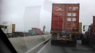 Callao: camiones obstaculizan el tránsito en avenida Gambetta