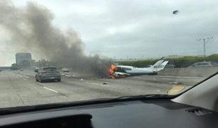 VIDEO: avioneta se estrella en carretera de Estados Unidos