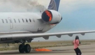 Avión de United Airlines aterriza con el motor en llamas en aeropuerto de Denver