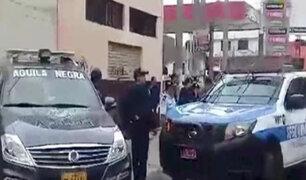 Trujillo: tras robo a casino policías se enfrentan a balazos a delincuentes