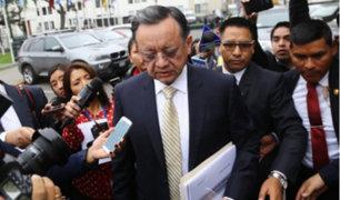 Edgar Alarcón busca aferrarse al cargo de contralor de la República