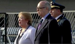 Michelle Bachelet sorprende al entonar el Himno del Perú