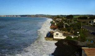 Nueva Zelanda: fuerte oleaje amenaza con desaparecer casas de Bahía de Hawke