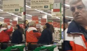 La Molina: mujer golpea e insulta a un adulto mayor en supermercado