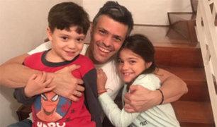 """Leopoldo López """"está bien de salud y feliz con su familia"""" tras dejar la cárcel"""