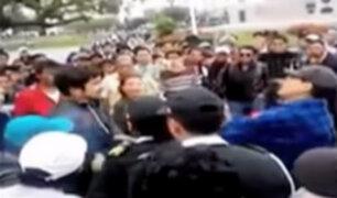 Joven es agredido al ser confundido como extranjero en la Plaza San Martín