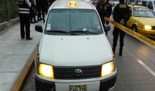 SJM: dos muertos y tres heridos deja balacera tras asalto a taxi colectivo