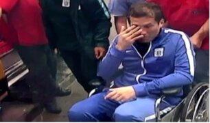 Así fue el traslado de Leao Butrón a la clínica  tras dura caída en el empate de Alianza Lima