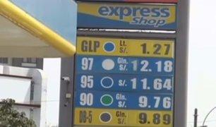 Precio de combustibles suben hasta en 2.1% por galón