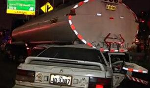 Un muerto dejó choque de auto contra camión cisterna en el Rímac