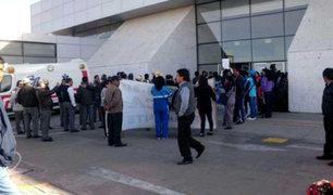 Maestros en huelga intentaron tomar aeropuerto de Arequipa