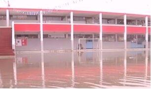 Desborde de río ocasionó la inundación de un colegio en Chorrillos