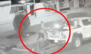 Piura: extorsionadores queman camioneta de empresario