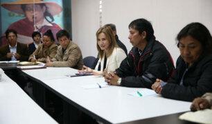 Cientos de docentes continúan en huelga en Arequipa