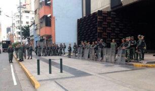 Venezuela: decenas de militares toman sede del Ministerio Público