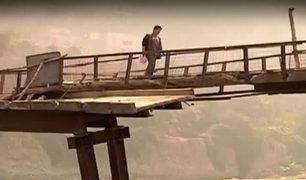 Alto Huampaní: vecinos arriesgan sus vidas al cruzar peligroso puente