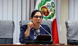 Congresistas de la Comisión de Constitución rechazaron iniciar labores a las 8 de la mañana