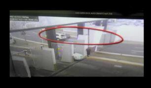 [VIDEO] Chofer ebrio causa estragos en el aeropuerto Jorge Chávez
