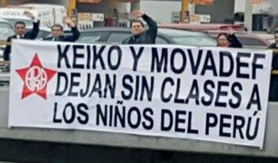 Apra y Fuerza Popular enfrentados por carteles antifujimoristas en la Vía Expresa