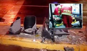 Surco: camión de bomberos se estrella contra semáforo en avenida El Golf