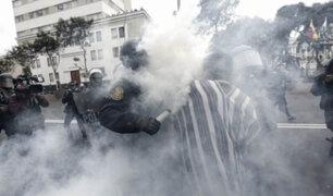 Graves disturbios en la avenida Abancay: profesores buscan llegar al Congreso