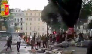 Roma: policías desalojaron a inmigrantes tras invasión en la Plaza de Independencia