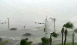EEUU: Huracán 'Harvey' evoluciona a categoría 4 en las costas de Texas