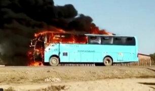 Piura: bus se incendia en carretera de Tambogrande