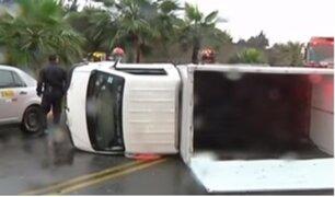 Registran accidentes de tránsito tras intensas lluvias en Lima