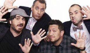 [VIDEO] Cuatro sujetos realizan graciosas bromas en la calle