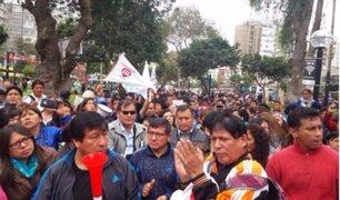 Feriado: cientos de profesores llegaron a Plaza San Martín