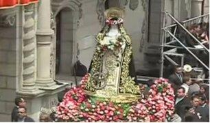 Cientos de fieles homenajearon a Santa Rosa de Lima en La Plaza de Armas