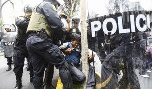 Docentes que agredieron a policías fueron llevados al Ministerio Público