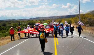 Bagua: profesores bloquean carretera Fernando Belaunde Terry