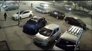 Agentes detienen a expolicía que agredió a su pareja en calles de Chimbote