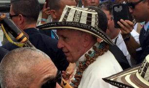 Colombia: Francisco llega a Villavicencio y rinde homenaje a víctimas de conflicto armado