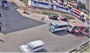 Ate: bus atropella a hombre y lo deja gravemente herido