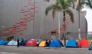 Perú vs Colombia: 'revendedores' invaden exteriores del Estadio Nacional