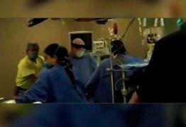 Equipo médico impresiona por su valentía al seguir operando durante terremoto